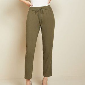RW&CO Green Satin Crepe Dressy Jogger in Size S